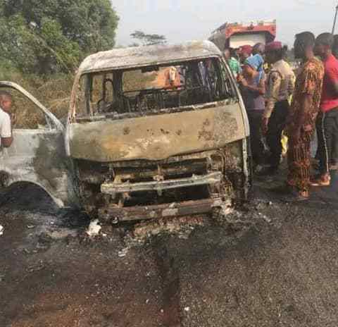 11 Adults, 3 Children Burnt To Death In Lagos-Ibadan Expressway Accident -  The Gazelle News
